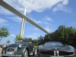 La 2 cv Biogaz et la Tesla