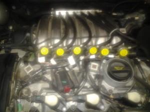 Injecteurs CATALGAZ moteur V6-24V capot plastic déposé